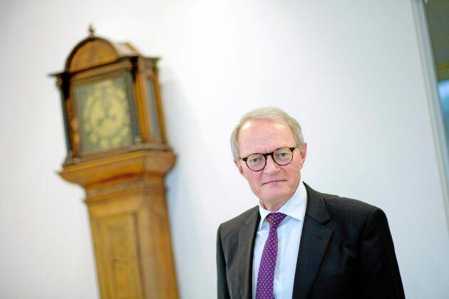 Kammarkollegiets generaldirektör Gunnar Larsson menar att advokatfiskalen Nils Leine mycket väl kan vara medlem i Älvräddarna samtidigt som han i tjänsten handlägger vattenkraftsärenden.