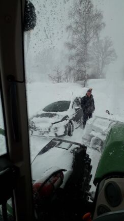 Snöstorm, men hjälpen är på väg.