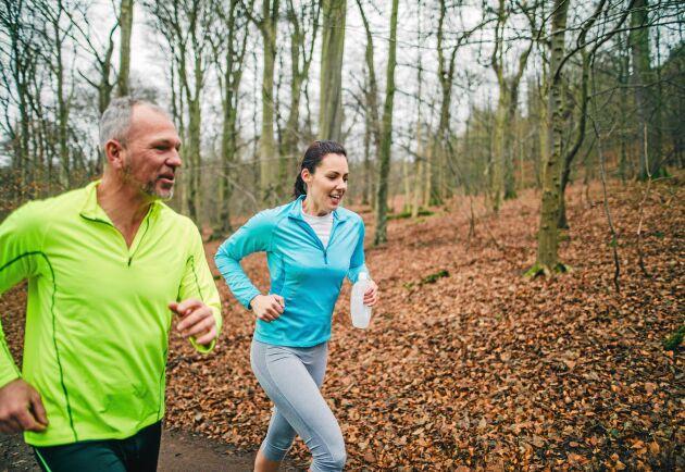 Att promenera är en trevlig form för att röra på sig. Om du ökar tempot och kraften genom att powerwalka får du ut ännu mer av upplevelsen.