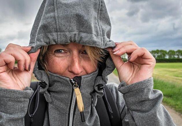 Blåst, lågtryck och hög luftfuktighet förvärrar ledvärk.