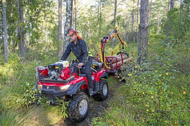 Möjligheten till traktorregistrering av ATV-er har ökat intresset rejält. Nu har ATV med skogsvagn blivit ett fullödigt arbetsredskap i skogen.