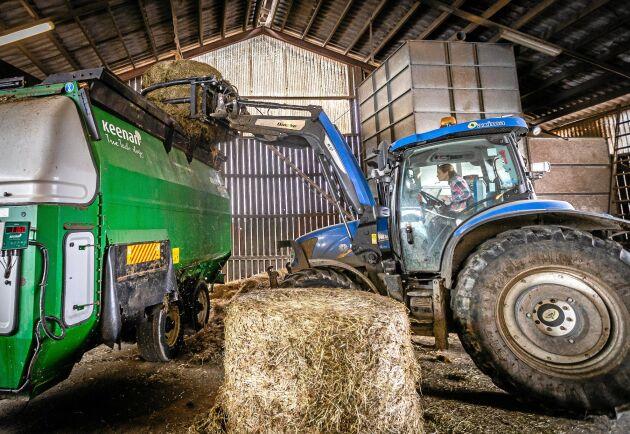Gården har ökat omsättningen och investerat, bland annat i nya traktorer.