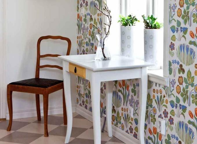 Land.se skriver om familjen Axelsson som renoverar huset med hjälp av naturen.