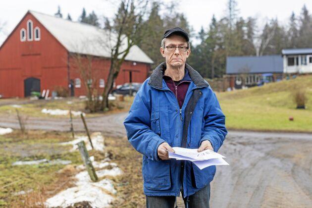 Deltidslantbrukaren Sune Bertilson har fått lägga mycket tid för att få personerna bakom KR Energiförvaltning att gå med på uppsägning av den gamla fullmakt från 2012 som bolaget försökt använda för att mot Sunes vilja teckna nytt elavtal.