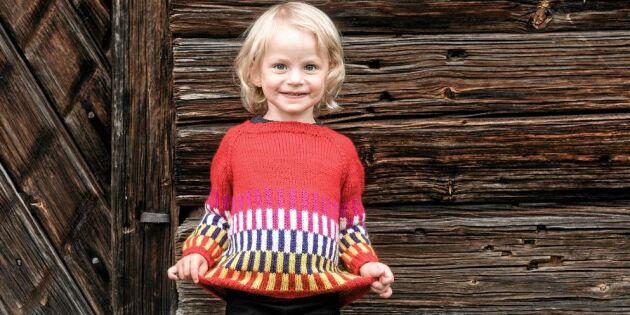 Julklappstips: Sticka tuff och färgglad tröja till barnen