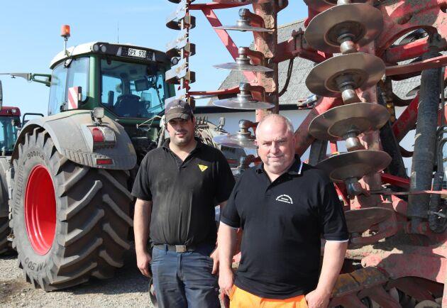Peter Bing och hans far Bengt Nilsson driver Bengt Nilssons Maskinstation i Södra Kverresta, sydöstra Skåne. I år har de 250 hektar sockerbetor på de 1400 hektar de brukar.