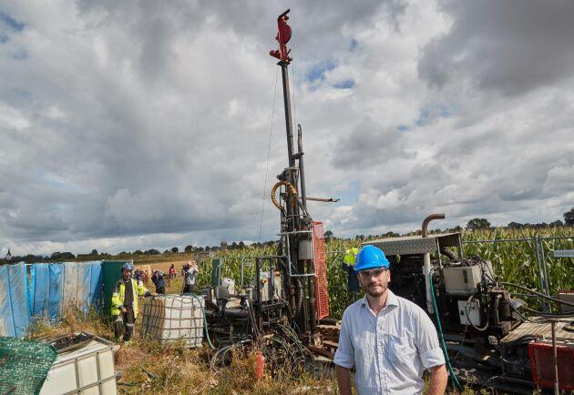 David Minchin, vd Scandivanadium, under en pressträff när provborrningen av metallen vanadin ska påbörjas utanför Hörby.
