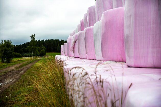 Gårdens plastanvändning ska minska med 10 ton per år.