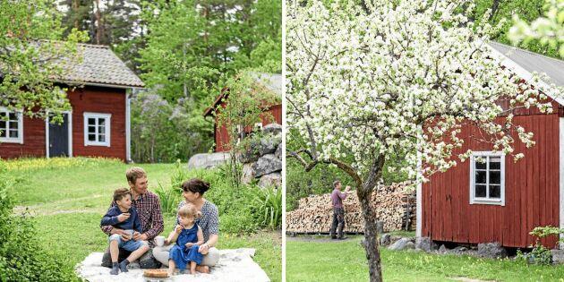 Kika in i familjen Larssons fina 1800-talsgård!
