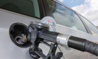 Dieselpriset ner med tio öre