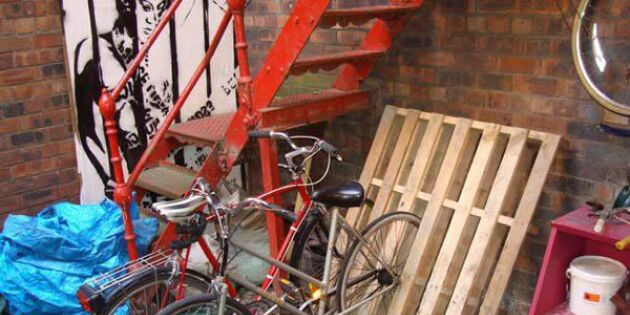 Så kan du rada upp cyklarna med lastpallar