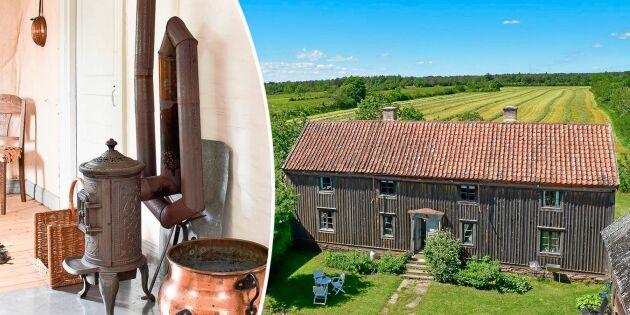 Kika in! En av Ölands äldst bevarade gårdar till salu