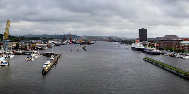 Havrefartyg kan inte sakta in – broar nödöppnas