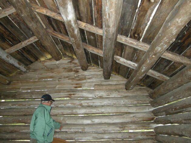 – Bra tak och bra grund, det är Bo Renströms recept för att få en träbyggnad att hålla länge.