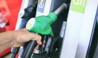 Bensinpriset nära 17 kronor per liter