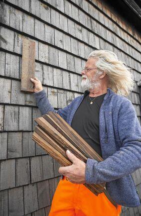 Ulf har själv spikat upp de 30 000 väggspån som täcker kvarnen.