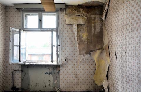Fullt upp med akut renovering? Dina gäster får roa sig själva en stund. Eller ännu bättre: hjälpa till!