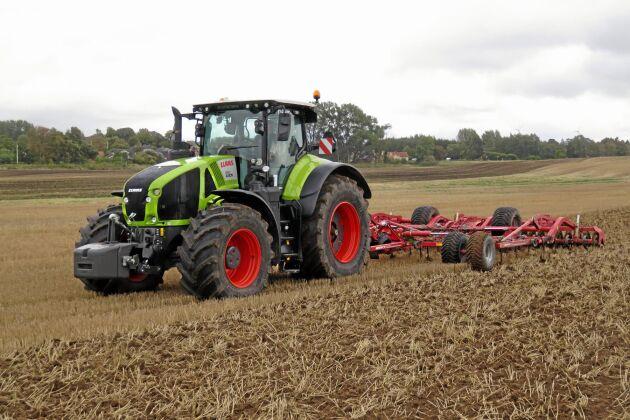 Med optimeringsprogrammet Cemos för traktor blir Claas först med inbyggd traktor- och redskapsinstruktör.