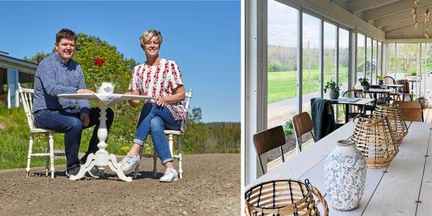 Titta in i Sveriges enda (?) grusvägskrog – dit turisterna strömmar