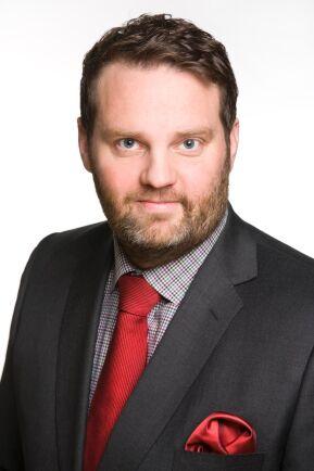 Fortsatt lågt ränteläge, hög kapitaltäthet, låg omsättningshastighet trycker upp priserna på åkermark menar Markus Helin, Chefsmäklare på LRF Konsult.