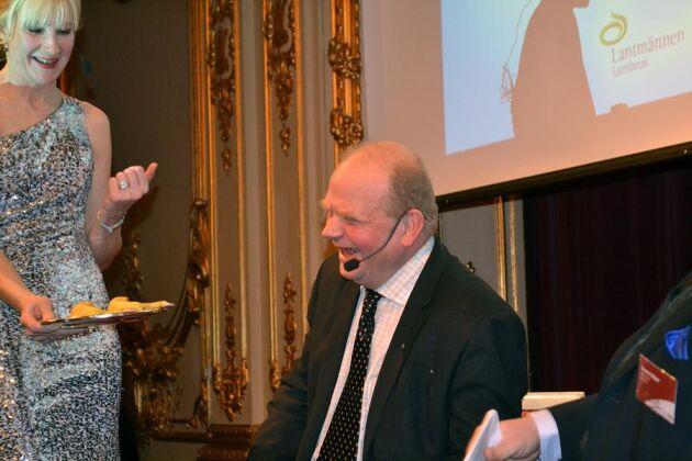 Landsbygdsminister Eskil Erlandsson var på plats under Ekogalan för att dela ut ett pris. Innan dess passade arrangörerna på att utmana honom för att se om han kunde skilja en ekologisk banan från en konventionell.