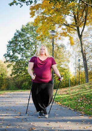 Många med lipödem vill inte visa sig men Carolina Linde vill gärna öppet prata om att hon har lipödem.
