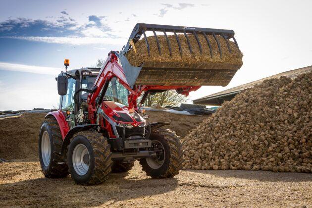 Det är framför allt som lastartraktor som nya 5S ska komma till sin fulla rätt. Produktchefen Magnus Ramberg räknar med att nio av tio traktorer kommer säljas med frontlastare.