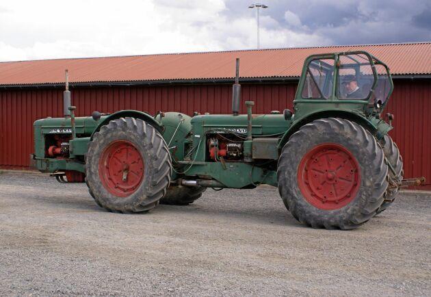 Under 1960-talet gjordes undersökningar som visade att den typ av fyrhjulsdrift som drog allra bäst var tandemtraktorn.