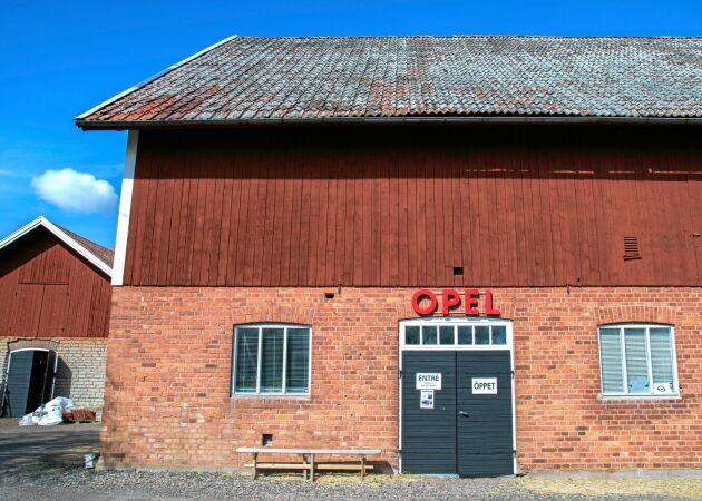 Varje år kommer runt 1 500 besökare till Opelmuséet.