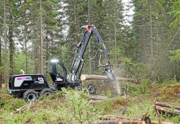 Logset nya skördare 8H GTE Hybrid är en allroundskördare som ska passa i stora delar av världen.