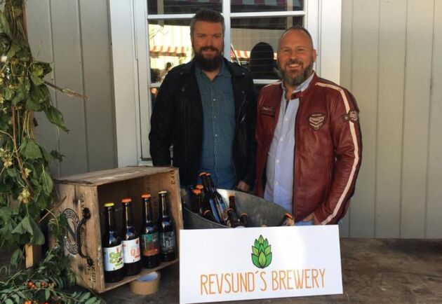 Henrik Spansk och Tommy Jonasson är killarna bakom Revsund Brewery. Jonasson är också ansvarig för den ölfestival som genomförs i det lilla samhället i helgen.