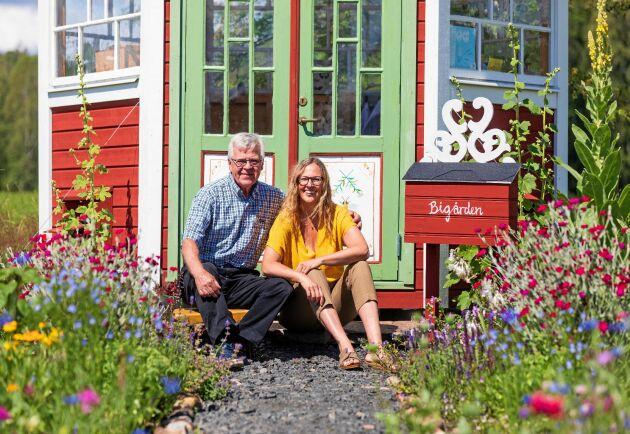 """""""Jag gick med min idé till Kalle, som kan allt. Han högg direkt!"""" säger Liselott, full av tacksamhet över sin bonuspappa Karl-Åke, som har hjälpt till att förvandla hennes dröm till stabil verklighet."""