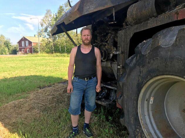 Eftersom vinden låg på i motsatt riktning märkte Nils Henrik Eriksson inte när hacken fattade eld.