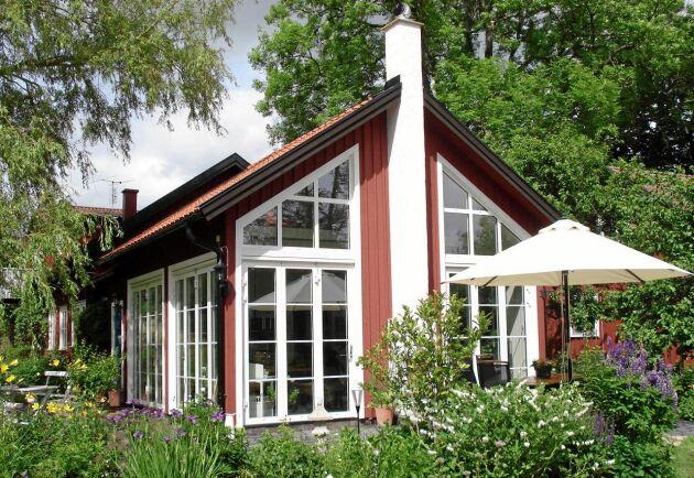 Ett sommarrum på 36 kvm är Gudruns favoritrum. Här har båda hennes döttrar gift sig.