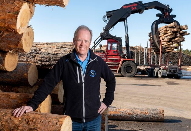 """""""Vi vill ta till vara på den fina norrländska råvaran på bästa sätt och vi har lyckats med det"""", säger VD Folke Stenvall på Stenvalls trä."""