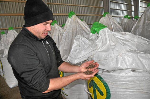 Gödningsmedel. Försäljningen av det ekologiska gödningssmedlet Ekoväx har ökat successivt. Målet är att försöka sälja mer och utveckla fler produkter, som till exempel utsäde.
