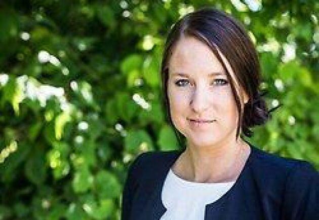 Centerns Europaparlamentariker Emma Wiesner reagerade starkt på uppgifterna om att 200000 djur just nu sitter fast på fartyg på Suezkanalen.