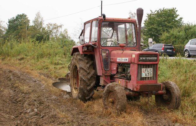 En av traktorerna som ska säljas den 8 juli är en BM VOLVO T800 av tidig årsmodell. Den kan bli ämne för en längre budgivning då priserna på dessa årsmodeller tycks stiga.
