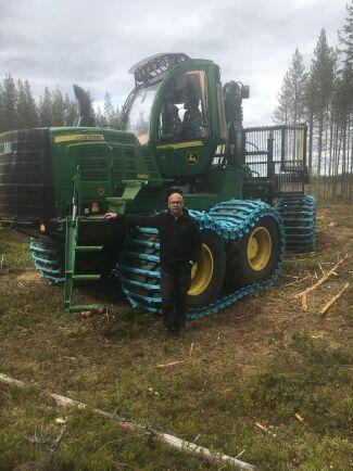 Thomas Åström hjälper kunderna med allt från att starta upp med nya maskiner till metodutbildning för att få ut maximalt per maskin och mantimme.