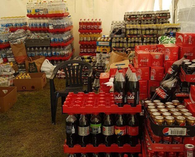Folkets hus i Färila har blivit en insamlingsplats med mängder av förnödenheter.