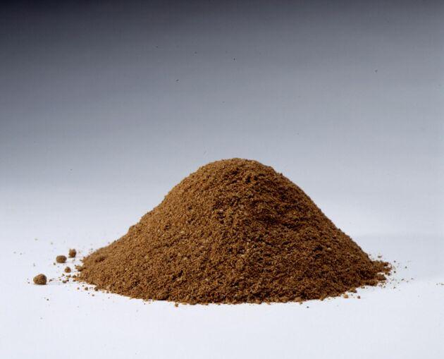 Efterfrågan på benmjöl och slakteriavfall som kan användas till ekogödsel ökar, men utbudet stramas åt.