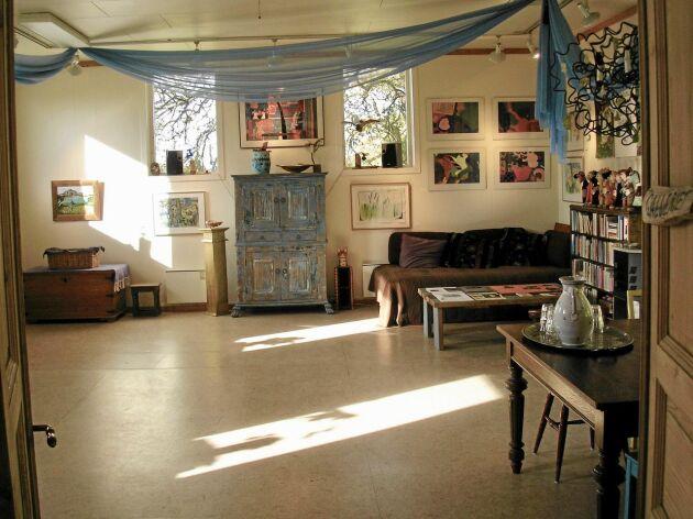Ladugården/Galleriet används till föreläsningar, studiegrupper och workshops.