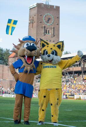 Maskotarna i landskampen i friidrott mellan Sverige och Finland, Finnkampen, på Stockholms stadion 2019.