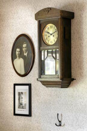 Bredvid fotot på Eriks farföräldrar sitter en bild på Anna, som drev affären mellan 1950-1965.