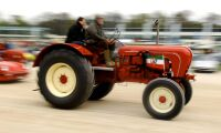 175 km/h med traktor - nytt världsrekord