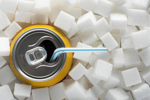 Att dricka mycket läsk kan påverka tillväxten av cancertumörer i tarmen, visar forskning på möss.