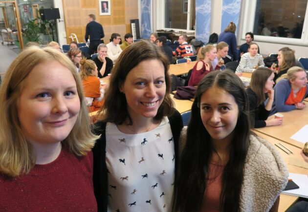 Tre entreprenörer inom horsetech - Ebba Kierkegaard, Ingrid Sundqvist och Molly Ericson. Här under den första workshopen för KTH-studenter och forskare som vill utveckla ny teknik för hästnäringen.
