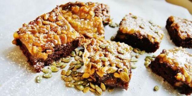 Seg chokladkaka med knäckigt frötäcke – underbart gott!