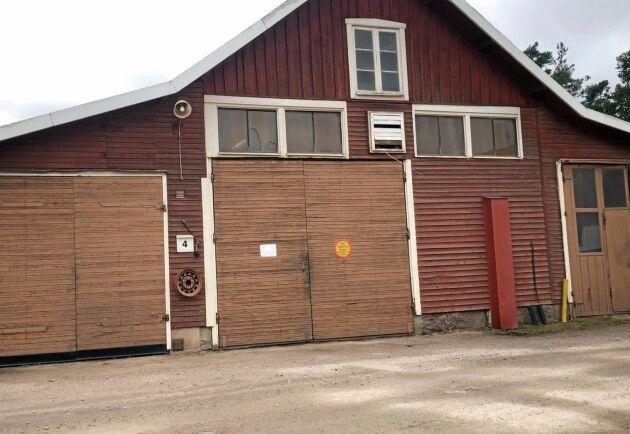 Som så många andra företag grundades Metsjö i ett garage. Den gamla verkstadsbyggnaden finns fortfarande kvar på området.