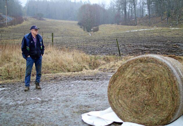 """""""De lokala stämmorna kan inte bara vara till för att äta och hålla olika val till riksorganisationen"""", säger Douglas Selling."""